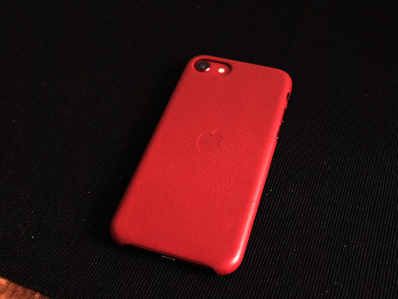 iPhone SEレザーケースの写真