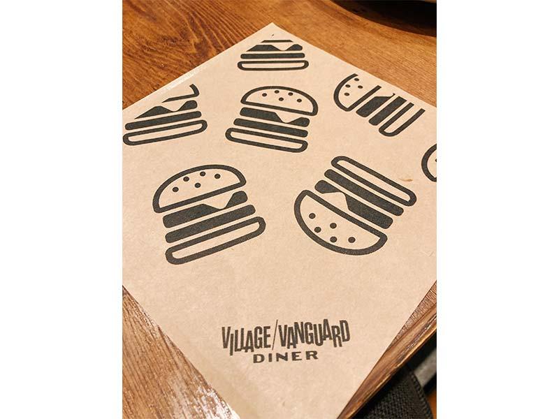 ハンバーガーを挟むヤツの写真