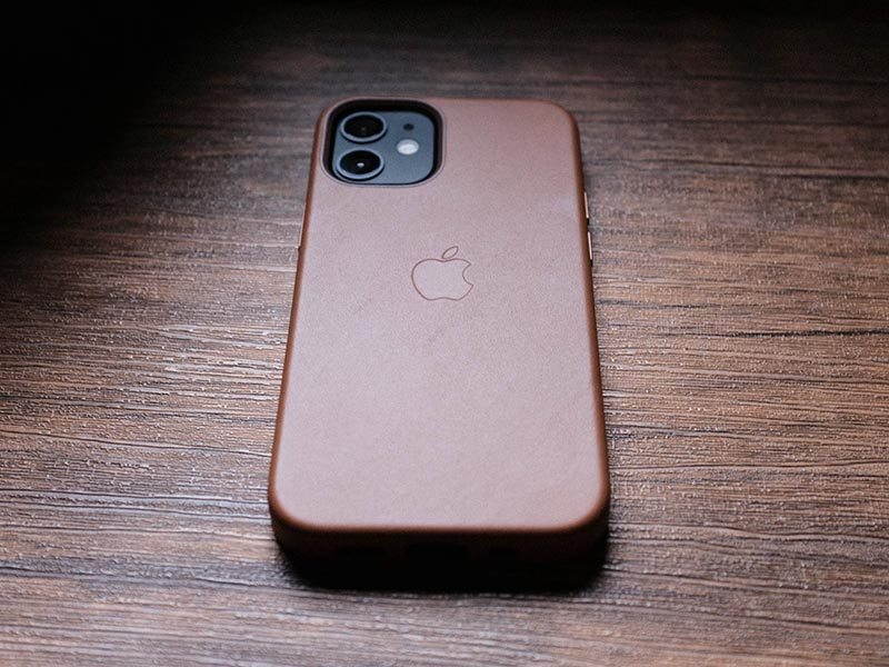 iPhone 12 mini用 Apple純正レザーケースの写真