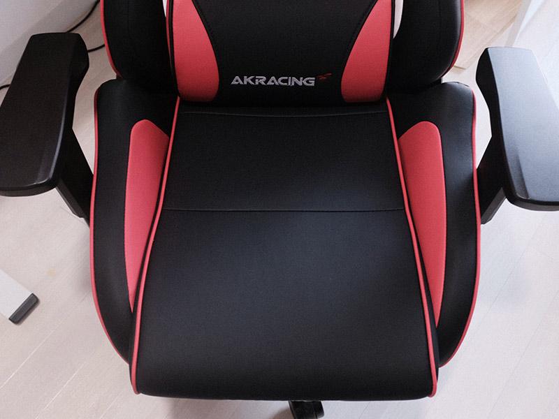 AKRacing Pro-X V2の座面の写真