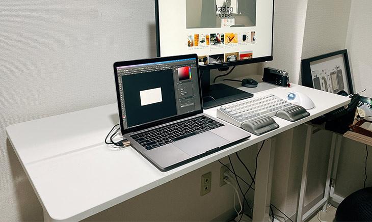 「100-ERD025」の机上の写真