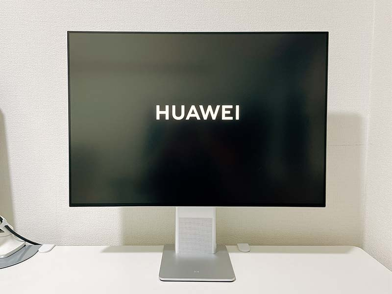 HUAWEI MateVieを正面から映した写真