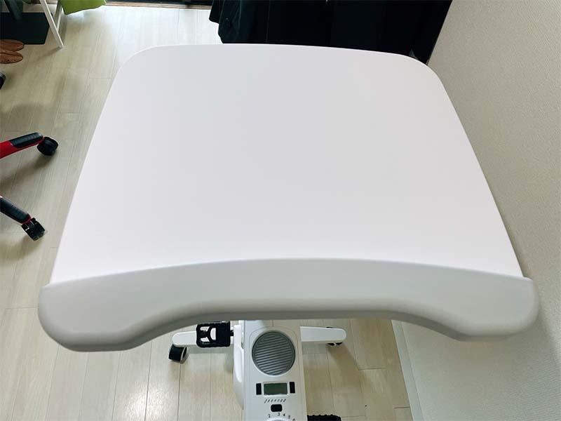 デスクバイクV9の天板の写真